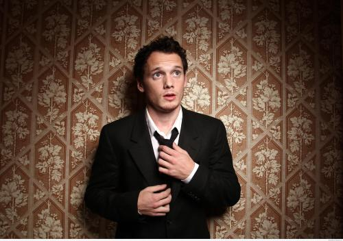 anton-yelchin-wallpaper-latest-collection-480r0p1e.jpg